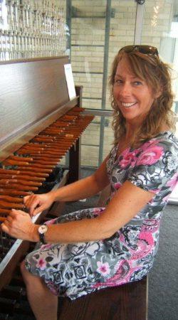 Gerda Peters, beiaardier Agathakerk Beverwijk